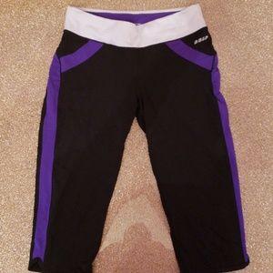 NWOT Bebe Sport crop leggings sz M